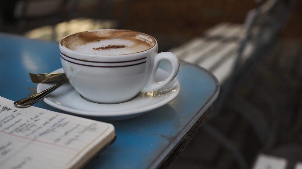 Kaffeetasse im Café